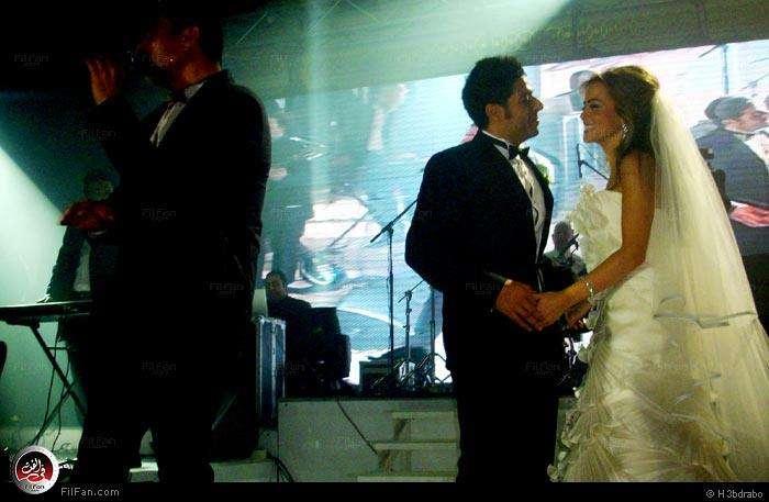 صور النجم عمرو دياب فى حفل زفاف الفنان محمد حماقى ونهلة الحجرى 2011 / 12 / 7 38940210150602375299782.jpg